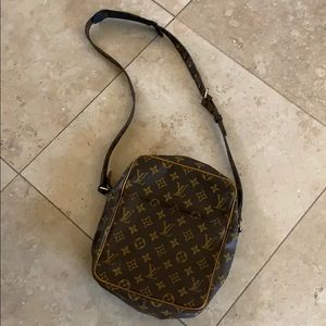 Vintage 1970's Louis Vuitton crossbody
